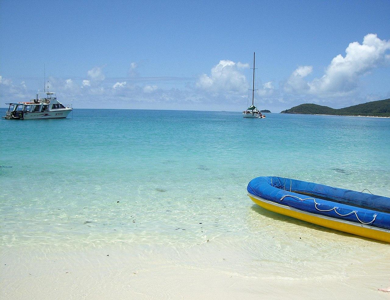 2 island whitehaven beach