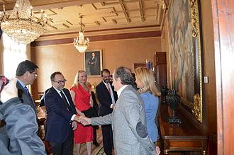 Asturian Wikipedia - Wikipedia team visiting the Parliament of Asturias.
