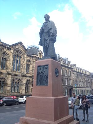 William Henry Playfair - Statue of William Henry Playfair, Chambers Street, Edinburgh