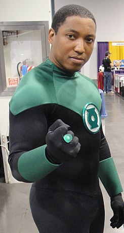 Wizard World Anaheim 2011 - Green Lantern and Black Lightning (5674469991) (cropped2).jpg