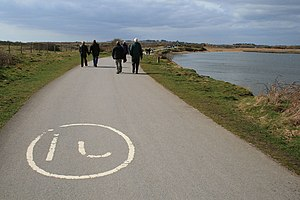 English: Worn speed limit It looks freshly pai...
