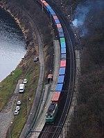 Z Podmoráňské vyhlídky, zastávka Úholičky a kontejnerový vlak.jpg