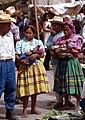 Zacapa-22-Markt-Frauen mit Babys-1980-gje.jpg