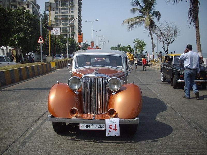 File:'Vintage Car' at 'Mumbai Vintage car rally-2010'.jpg