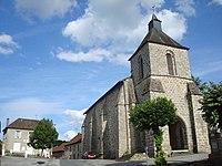 Église et mairie de Mourioux-Vieilleville.jpg