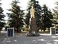 Святогорск, братская могила – скульптура.jpg