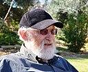 אבא ביבנאל על הדשא (DSC 0123).JPG