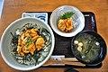 特製生ウニ丼と天然ほや刺(はまなす亭).jpg