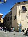 -2014-04-17 Casa de los Picos, Calle Juan Bravo, Segovia.jpg