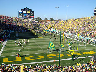 Autzen Stadium - The Ducks take the field against USC in front of 59,277 in 2007