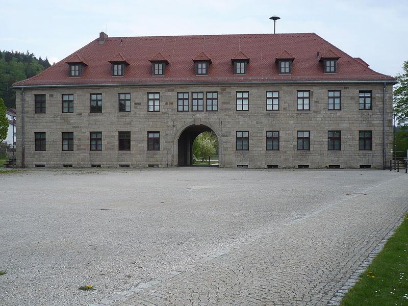 File:110428a Flossenbürg.JPG