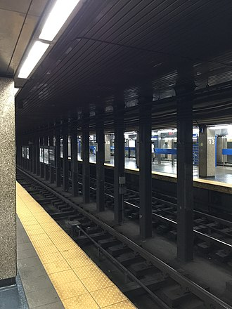 13th Street station (SEPTA) - Image: 13th Street MFL 2