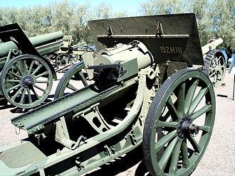152 mm howitzer M1910 - 152 mm howitzer Model 1910 Schneider displayed in Hämeenlinna Artillery Museum.