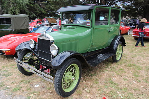 1926 Ford Model T T5 Tudor (12702996805)