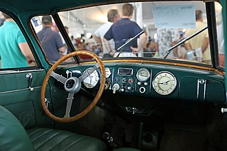Tatra 87 - Art deco-styled dashboard in a 1947 T87
