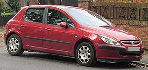 Peugeot 307 - Image: 2002 Peugeot 307 LX 16v 1.6 Front