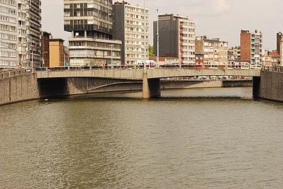 Hoe gaan naar Pont De Longdoz met het openbaar vervoer - Over de plek