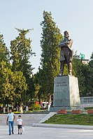 2014 Stepanakert, Pomnik Stepana Szaumiana.jpg