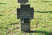 2017-09-28 GuentherZ Wien11 Zentralfriedhof Gruppe97 Soldatenfriedhof Wien (Zweiter Weltkrieg) (015).jpg