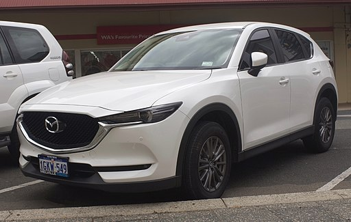 2017 Mazda CX-5 (KF) Touring AWD wagon (2018-10-01) 01