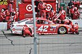 5 Hour Energy Kyle Larson pit stop (19893069525).jpg