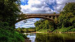 Abandoned 1918 Mederville bridge.jpg