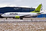 Air Baltic, YL-BBE, Boeing 737-53S (33035168596).jpg