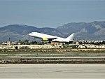 Airbus A320-200 (23538297148).jpg
