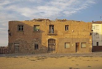 Alhóndiga (building) - Image: Alhóndiga, Ágreda, España, 2012 08 27, DD 01