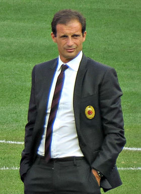 Allegri with Milan players (cropped) - 2
