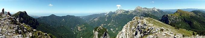 Alpi Apuane Panorama.jpg