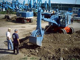escavatori escavatrici  340px-Alte_Fuchs_Bagger