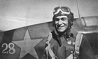 Amet-khan Sultan - Amet-khan Sultan by his Yak-7 fighter in Stalingrad