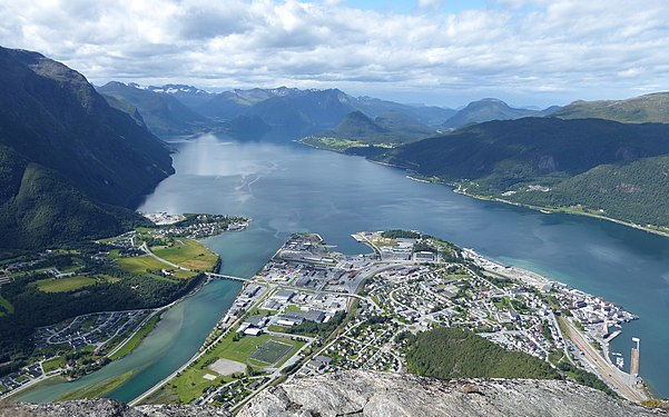 Andalsnes-view-0.jpg