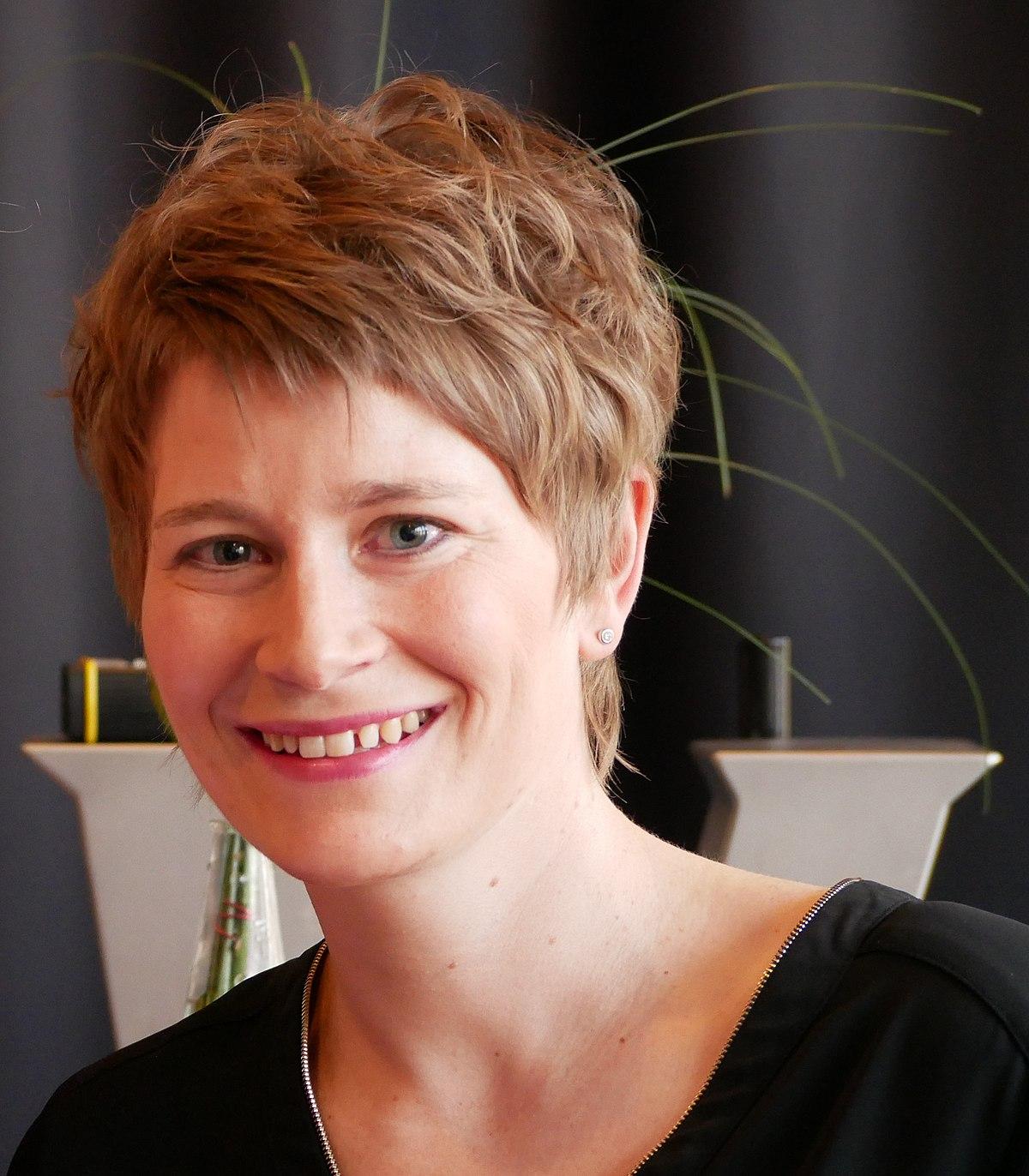 Anja Bill Würzburg : anja bihlmaier wikipedia ~ Watch28wear.com Haus und Dekorationen