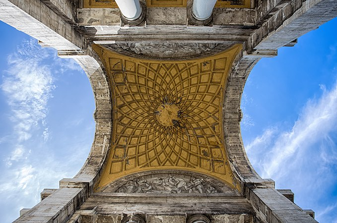 Arco della Vittoria, particolare interno foto 2.jpg