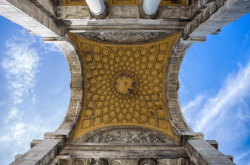 File:Arco della Vittoria, particolare interno foto 2.jpg