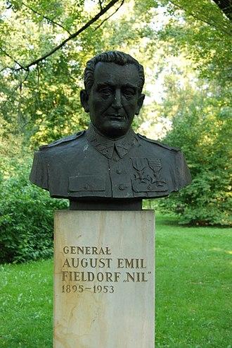 Emil August Fieldorf - Fieldorf statue, Cracow