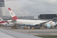 OE-LPC - B772 - Austrian Airlines