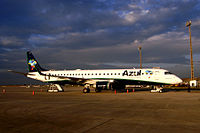 Azul Embraer 195 10 2009 VCP 7704.JPG