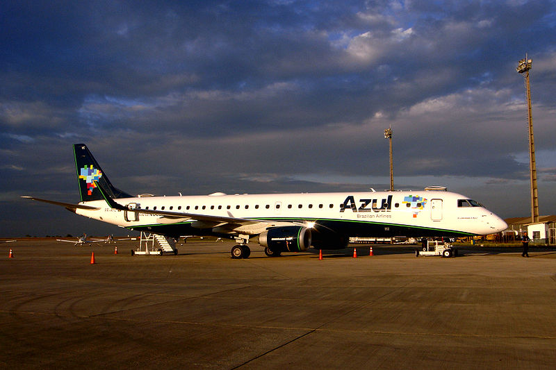 File:Azul Embraer 195 10 2009 VCP 7704.JPG