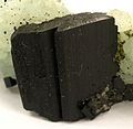 Babingtonite-Prehnite-bab14b.jpg