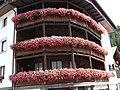 Balconi in fiore-Santa Caterina Valfurva - panoramio.jpg