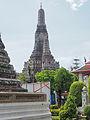 Bangkok along the Chao Phraya and Wat Arun (14881757397).jpg
