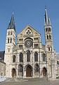 Basilique St Rémi de Reims-Façade.jpg