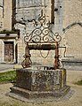 Bassac 16 Abbaye Puits ancien cloître 2014.jpg