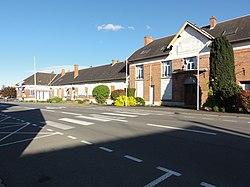 Beautor (Aisne) mairie - école - PTT.JPG