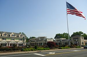 Berkeley Heights, New Jersey - Heritage Square Shopping Center