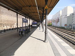 Berlin- Bahnhof Savignyplatz- auf Bahnsteig zu Gleis 3 21.4.2012.JPG