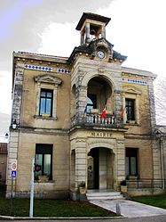 The town hall of Bezouce